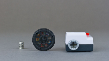 Projecteo: The Tiny Instagram Projector