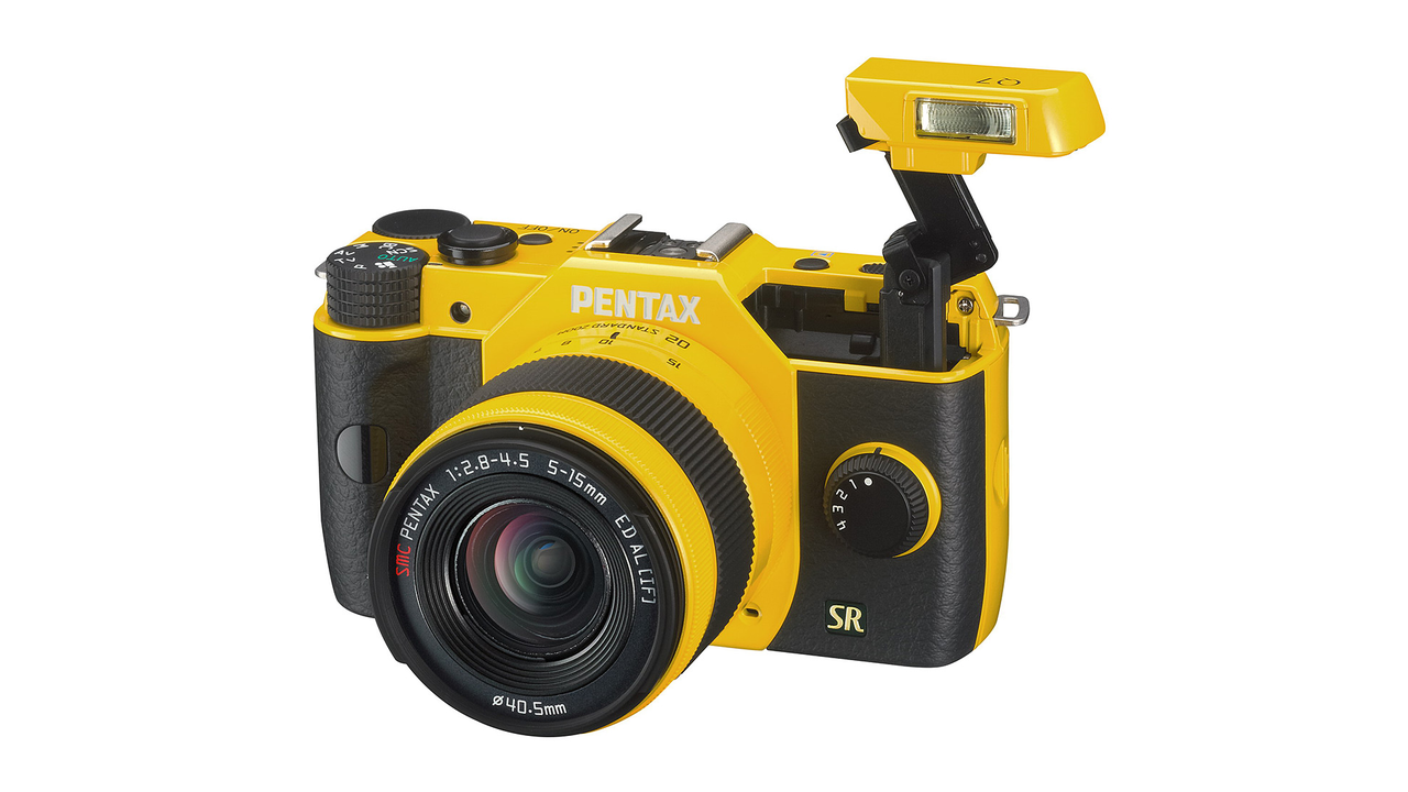 Pentax Q7 Compact System Camera with 3-Inch LCD