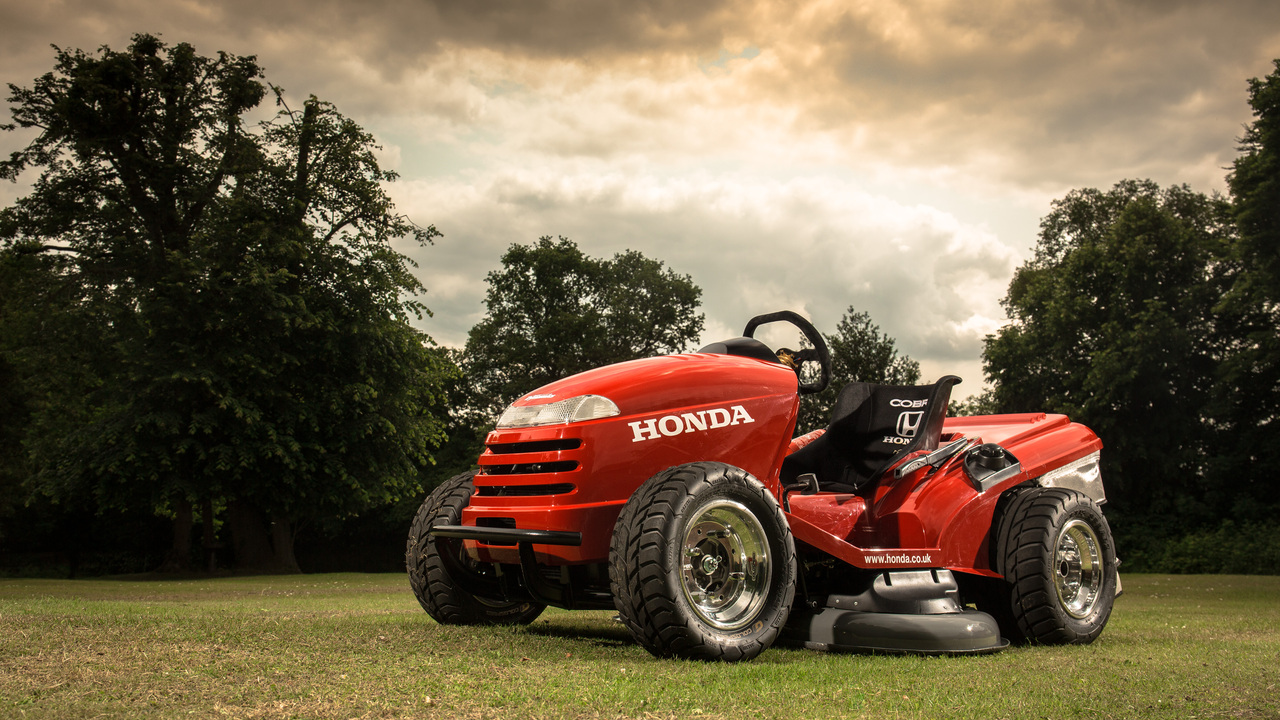 Souped Up Tractor : Desire this mean mower honda s souped up riding