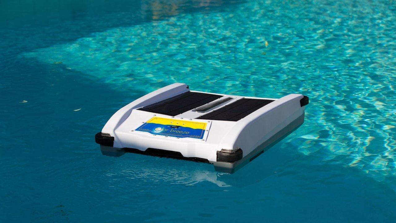 Desire This Solar Breeze Robotic Solar Pool Cleaner