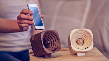 Tok Tok Trobla: Wooden Amplifier for iPhone