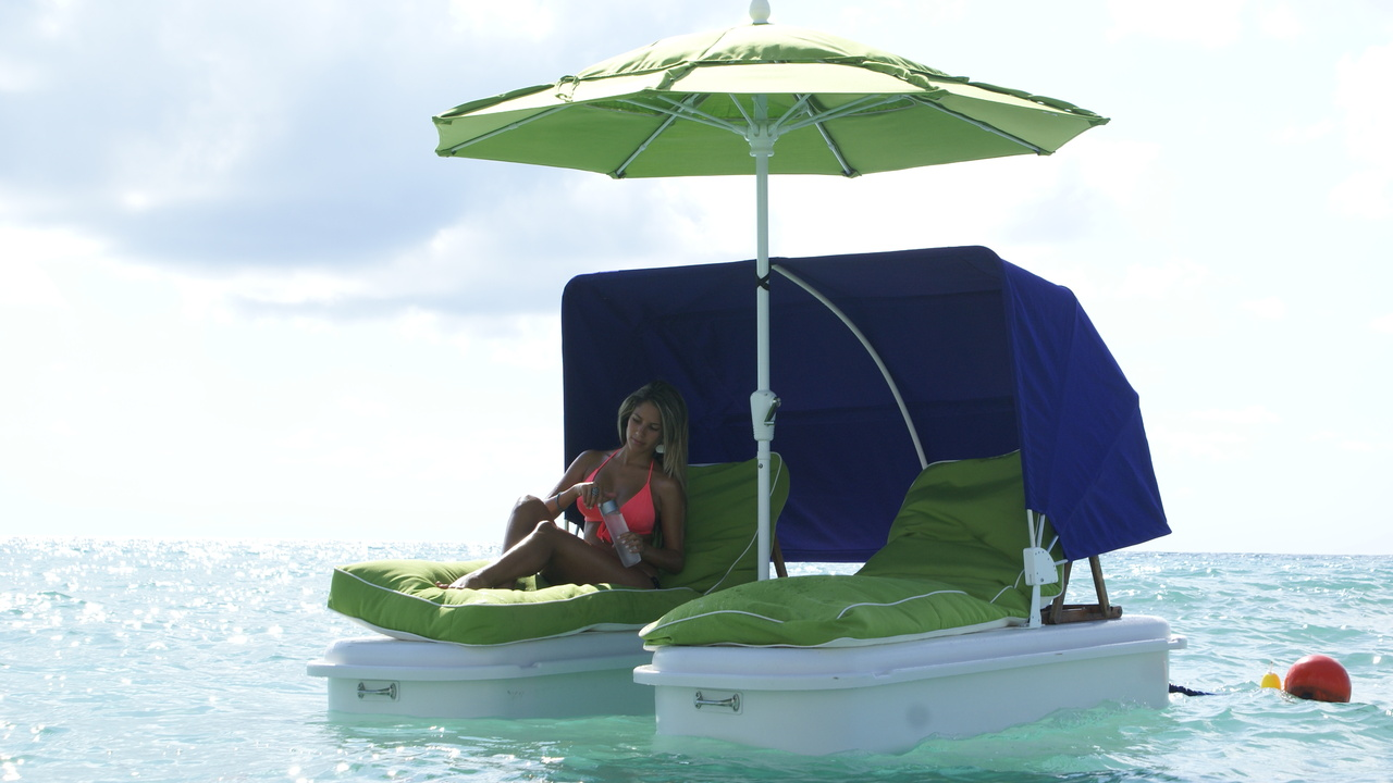 Floating Cabanas for the Ultimate Lounge Experience by SeaDuction Floats