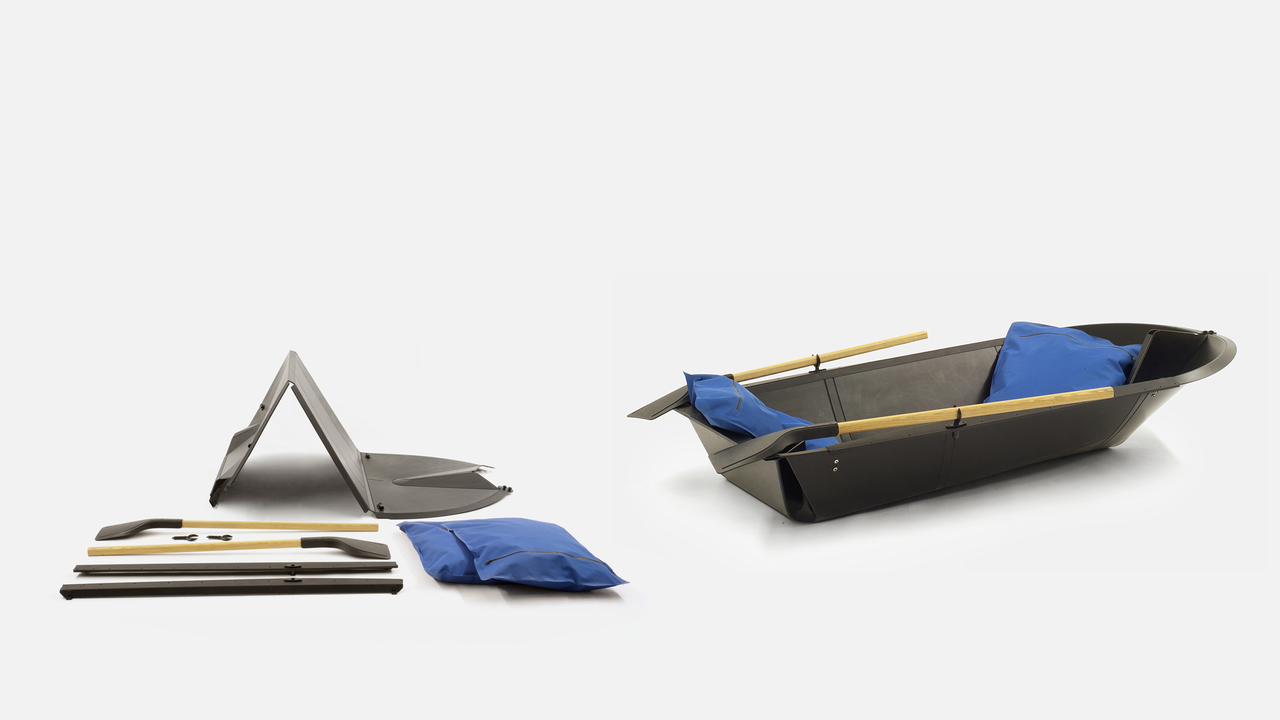 folding boat: A Leisure Boat Made From a Standard Sheet of Plastic