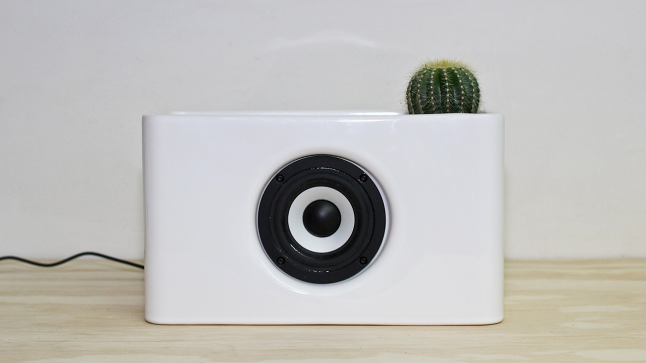 Josiah: A Ceramic Radio and Wireless Speaker